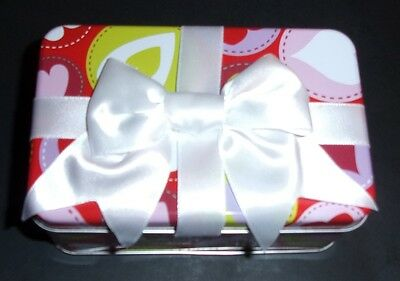 Rectangle Tin with white bow Valentine's Day sweet heart small candy gift