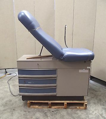 Midmark 304 Exam Table With Flexible Stirrups & Drawers~In Nice Condition~SR56