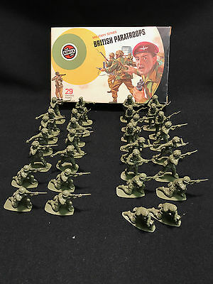 VINTAGE AIRFIX 1:32 Scale - BRITISH PARATROOPS - Military series - Boxed