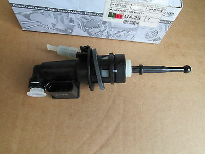 Vw Golf Caddy Scirocco Eos Touran Clutch Master Cylinder 1K0721388Ab 1K0721388Ac