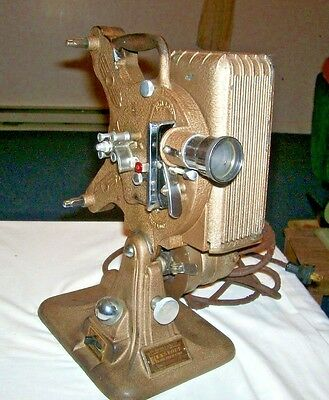 VINTAGE KEYSTONE 16mm Movie Projector ~ Model A-82 ~ (PARTS OR REPAIR)