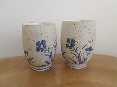 PAIR 2 VINTAGE HAND PAINTED CHINESE BLUE & WHITE PORCELAIN BEAKERS,CUPS signed