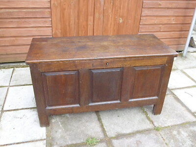 Early 18th century oak coffer with candle box & original lock and key c1735