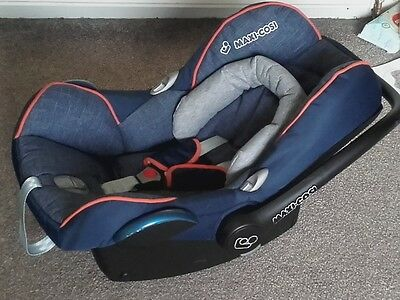 Maxi-Cosi Pebble infant car seat. Denim/Blue. Hardly used. With baby support.