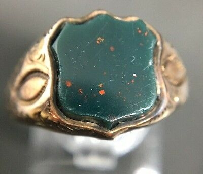 Vintage Unusual Shield  Bloodstone Signet Ring Yellow Gold Ornate