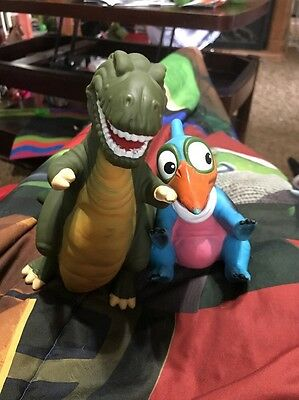 Set of 2 Land Before Time Pizza Hut Rubber Hand Puppets 1988 Petrie & Sharptooth