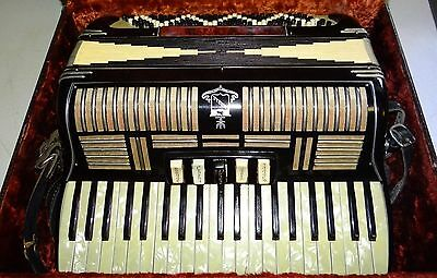 Noble Accordion 3307 W/Case Made In Italy Vtg NICE!!