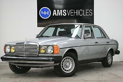 Mercedes-Benz 300 3.0 W123 300 Turbodiesel Automatic Lhd Leather