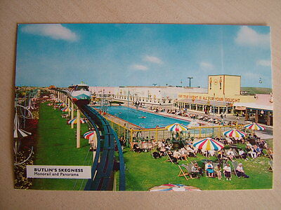 Postcard BUTLIN'S SKEGNESS, MONORAIL AND PANORAMA. Unused. Standard size.
