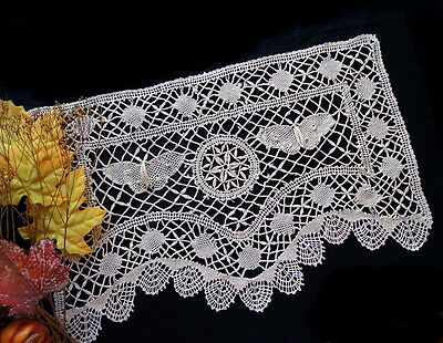 Antique Handmade CLUNY - TORCHON BUTTERFLY BOBBIN LACE Doilies Large Doily