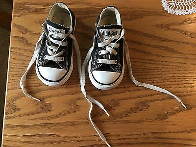 Converse All-Star Chuck Taylor/Black/Kids Sz 6/Low Top Tennis shoes