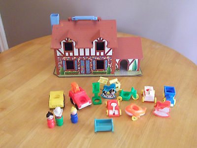 Fisher Price Little People 1980 Tudor House #952 With Accessories