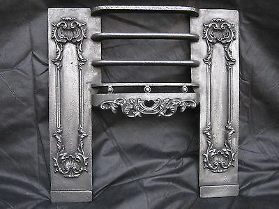 Antique Georgian Cast Iron Hob Grate Fireplace.