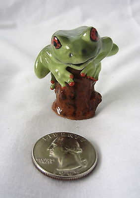 Very Cute Small Frog Toad On A Stump Green Porcelain