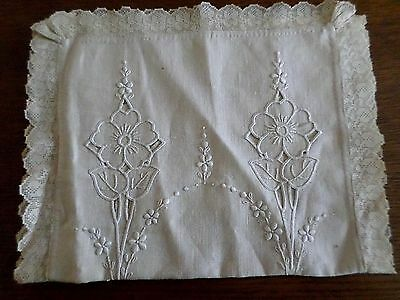 "*Vintage Embroidered Linen Runner With Lace Trim & Cutwork 14"" By 40"""