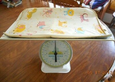 Bunny Bear Nursery Scale Vintage With Top Tray & Orig.pad Clean Condition 1948