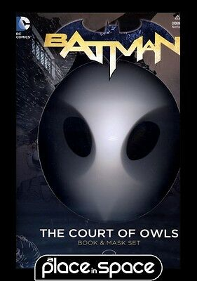 Batman Court Of Owls Book & Mask Set - Graphic Novel