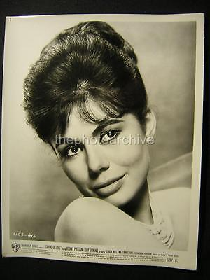 GEORGIA MOLL ISLAND OF LOVE 1963 Portriat VINTAGE PHOTO 304N