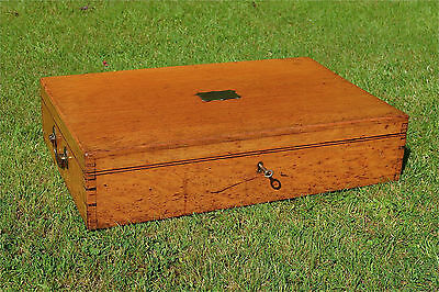 Edwardian solid oak carrying box with brass inlaid cartouch with key