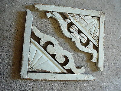 PAIR ANTIQUE ARCHITECTURAL WOOD PORCH CORBELS FAN CHIPPY PAINT 14 x 12 GOOD  #2