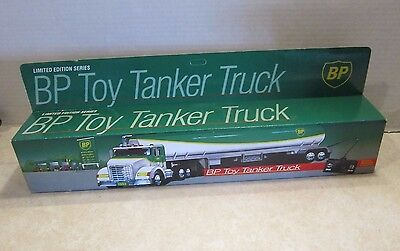 Limited Ed. Series BP Toy Tanker Truck Battery Op Wired Remote Control NISB C3