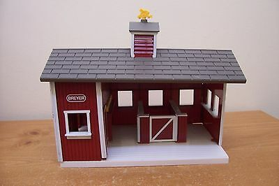 (Ad 75) Breyers Stablemates Red Stables Horse Bard Toy Pretend
