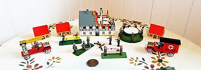 """Erzgebirge Miniatures: """"The Burning House"""" Firefighters from Seiffen,Germany"""