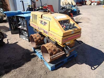 Stone Bulldog Earth Vibratory Earth Compactor Roller Curb And Gutter Trench Unit