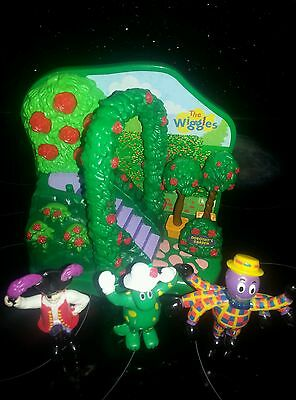 wiggles dorothys garden play set  with figures bundle