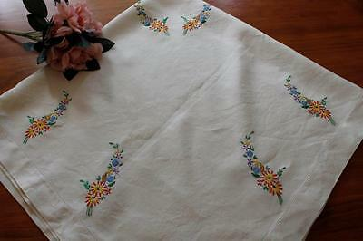 Vintage Embroidered Linen Tablecloth - Flowers
