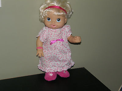 Baby Alive Wets and Wiggles Drinks & Wets Blonde  2010 Works Great! Pretty