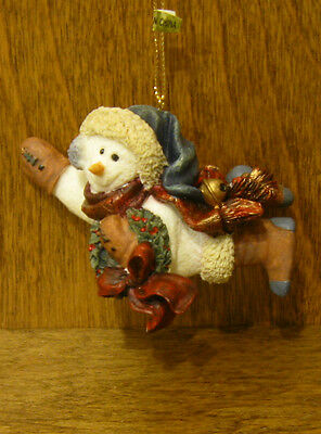 Boyds Snow Dooodes Ornament #2564 Chilly with Wreath, NEW/box From Retail Store