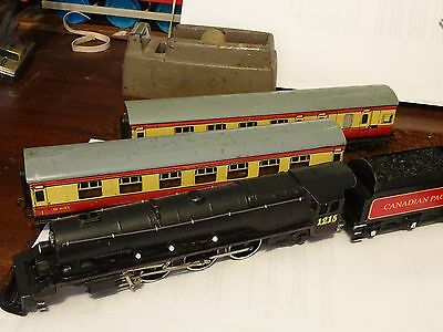 Hornby Dublo Canadian Pacific passenger set  renovated engine exc