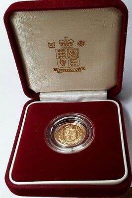 Gold Half Sovereign 2002 Queen Elizabeth II Shield Back in Royal Mint case rare