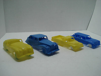"""LOT OF 4 PLASTIC CARS  WITH WHEELS VINTAGE LENGTH: 4"""" at 4.5"""""""