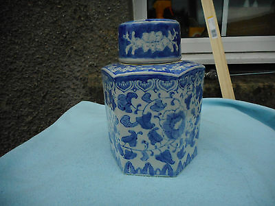 Ref 001 Chinese  Porcelain Floral Blue And White  Tea Caddy