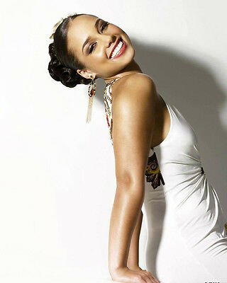 Alicia Keys unsigned 8x10 music photo 3