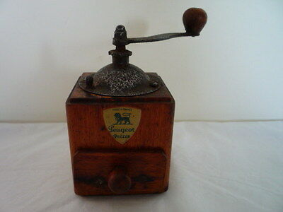 Retro Vintage French Peugeot Spice Coffee Grinder Mill Wood Collectors Item
