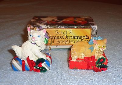 Set of 2 Tom Wat Christmas Ornaments Gift Box Kittens- Cats on Presents- NEW NIB