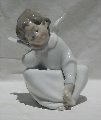Lladro Porcelain Angel Dreaming
