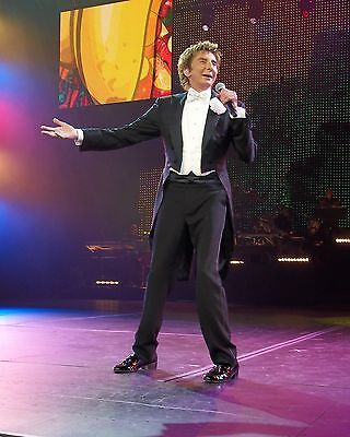 "Barry Manilow 10"" x 8"" Photograph no 80"