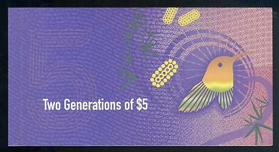 2016 Two Generations of $5.00 Polymer Notes Folder - UNC
