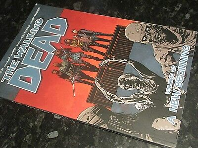 the walking dead image graphic novel  robert kirkman zombie   volume 22