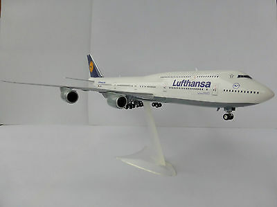 BOEING 747-8 LUFTHANSA 1/200 Herpa 553759-001 747 Intercontinental IC 553759