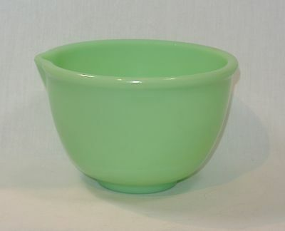 Vintage JADITE Green Glass Mixing MIXER BOWL with Spout