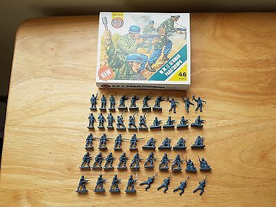 Airfix HO-OO 1/72 WWII German Paratroops Plastic Figures x46 Boxed Set