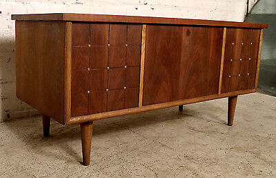 Unique Mid-Century Modern Chest by Lane (06394)NS