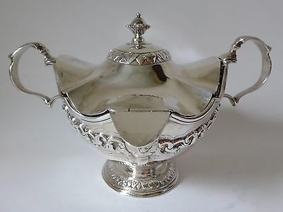J Angell London 1824 Silver double handled & ended Sauce Tureen & cover 21 tr oz
