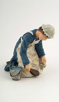 1/12Th  Dolls House Victorian Maid With Bucket Figure