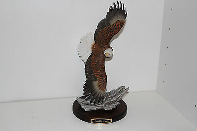 1993 Homco Beautiful Classic Porcelain Soaring Eagle Figurine W/base